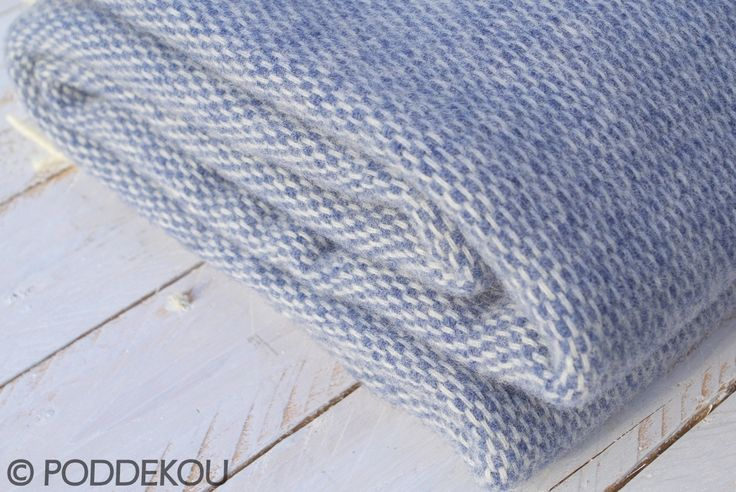 Modrá deka z ovčej vlny