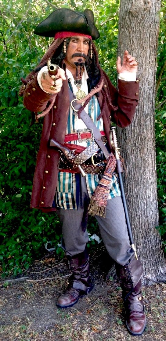 we have the absolute best mens halloween costume choices in dallas and north texas this jack sparrow pirate co halloween 2018 mens costume ideas