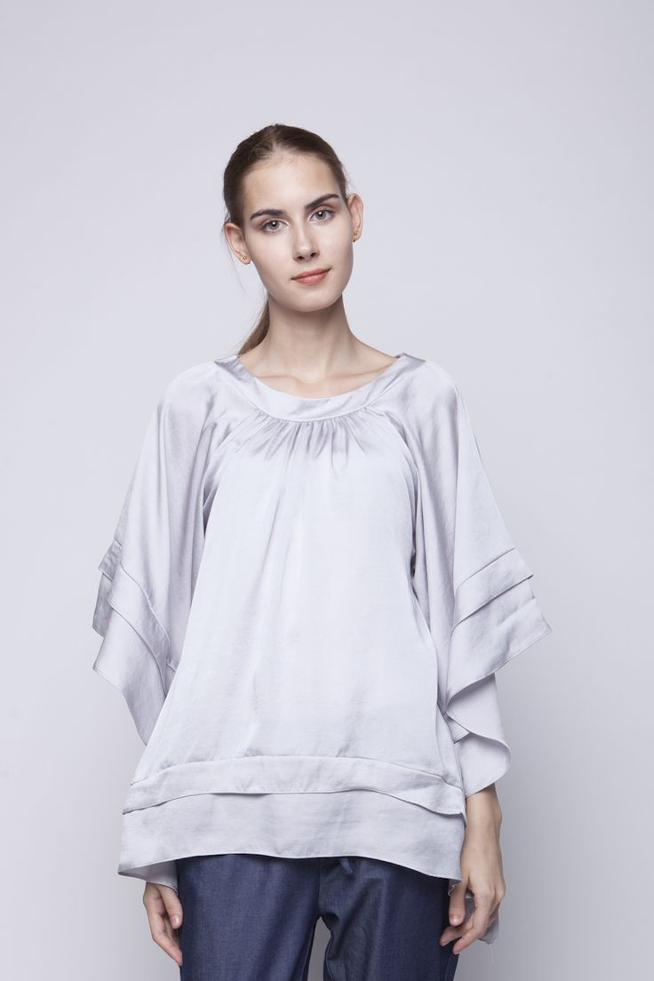 Lily Blouse Silver | Rp 221.250