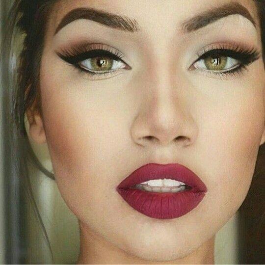 #makeup #vinho #olhodegatinho #vintage