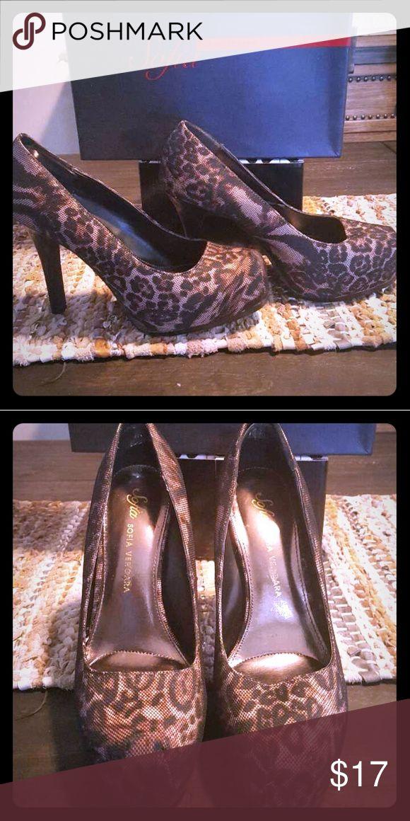 Animal print platform heels Gorgeous sexy comfortable animal print high heelsd platforms sofia vegara Shoes Heels