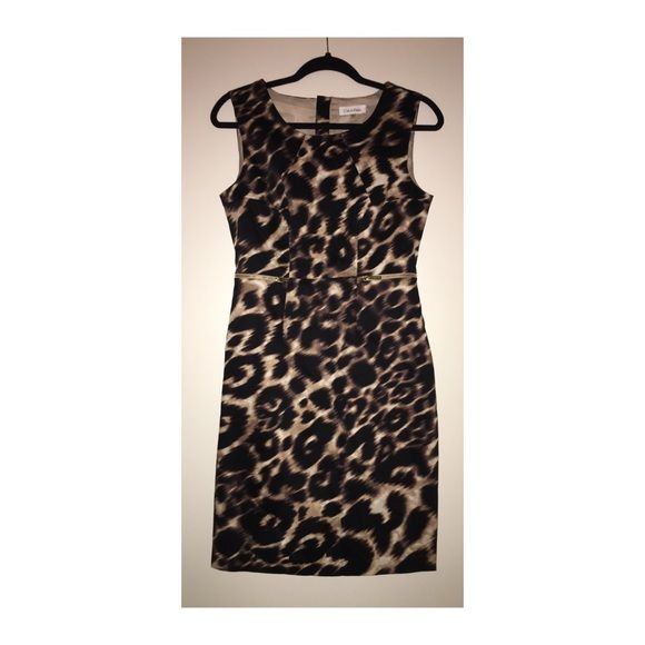 Calvin Klein Shift Dress Like•New Calvin Klein Shift Dress • Size 4 • Fully lined • Back zipper closure • Excellent condition Calvin Klein Dresses