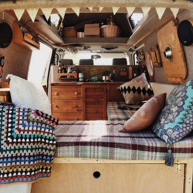 16 Luxury Van Life Interior Design Ideas https://www.vanchitecture.com/2017/12/17/16-luxury-van-life-interior-design-ideas/