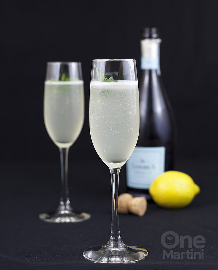 sgroppino cocktail - an icy cold drink that hails from Italy, it is bursting with lemon flavors and lots of bubbles.