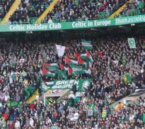 Coreografia per la Palestina Green Brigade Celtic » Football a 45 giri | Football a 45 giri