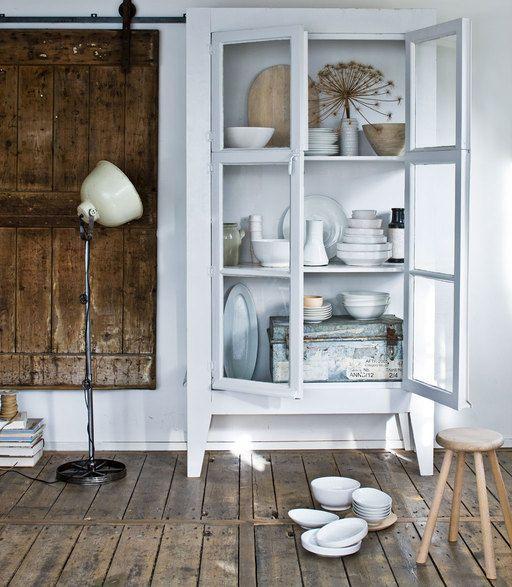 17 beste idee n over servieskast decoratie op pinterest servieskast makeover beschilderd - Decoratie eetkamer hok ...