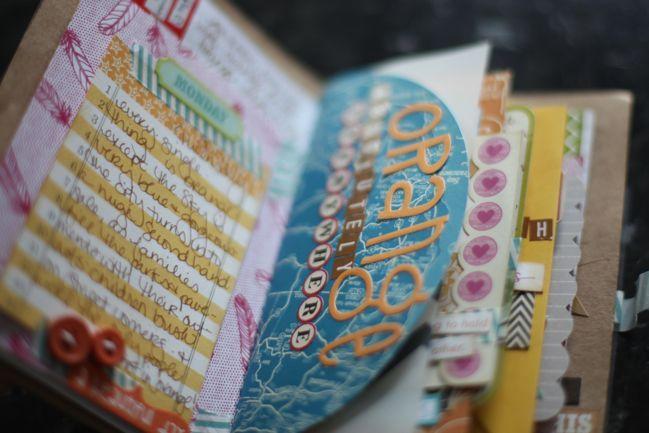 mini travel scrapbookMinis Book, Minis Album, Travel Scrapbook, Scrapbook Writing, Art Journals, Minis Travel, Minis Scrapbook, Mini Scrapbooks, Scrapbook Minis