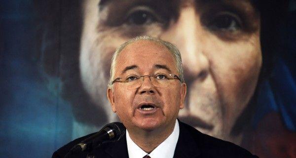 ¡Última Hora! Maduro remueve del cargo a Rafael Ramírez y lo saca del país