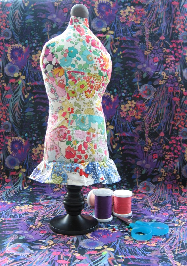 Today's post is another fabric scrap project using the free mannequin pin cushion pattern from DIY Dish. I am using my beloved Liberty fabric scraps but this can be done using any fabric scraps you have on hand. This project is a good way to use up your fabric scraps and have a functional and … … Continue reading →
