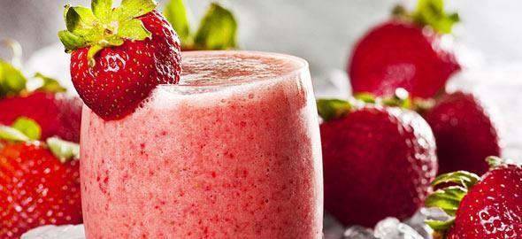 Η διατροφολόγος μας προτείνειμερικές απλές συνταγές για δροσερά και απολαυστικά smoothies με θρεπτική αξία για τα παιδιά!