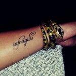 I tatuaggi con scritte in latino hanno molti vantaggi: è la lingua dei saggi, e in poche parole racchiude grandi significati. Scopri le frasi più belle!