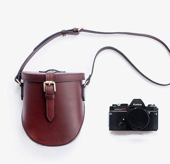 Unique Vintage Style Leather Bag