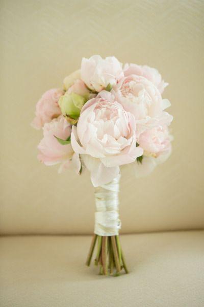 Pink + Gray Rosemary Beach Wedding: http://www.stylemepretty.com/florida-weddings/rosemary-beach/2014/04/21/pink-gray-rosemary-beach-wedding/ | Photography: Amanda Suanne - http://amandasuanne.com/