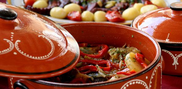 alfagar village. cataplana. traditional gastronomy from albufeira