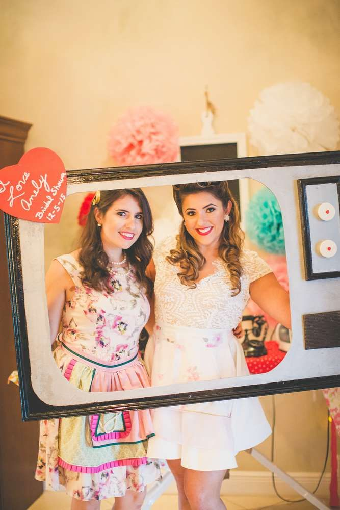Retro 50's Housewife Bridal/Wedding Shower Party Ideas | Photo 7 of 14