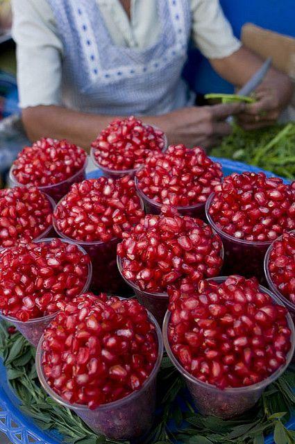Granada, mercado de Atlixco-Puebla. Pomegranater Market Atlixco-Puebla