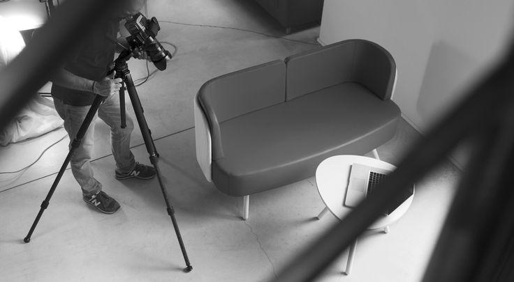 New bench from #Blog_Sesta. Snapshot from backstage at EDI, digital post-production company in Milan, general waiting area. #waiting #area
