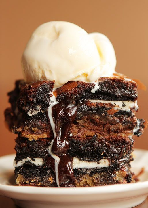 Ultimate Chocolate Chip Cookie n' Oreo Fudge Brownie Bar. What the what.