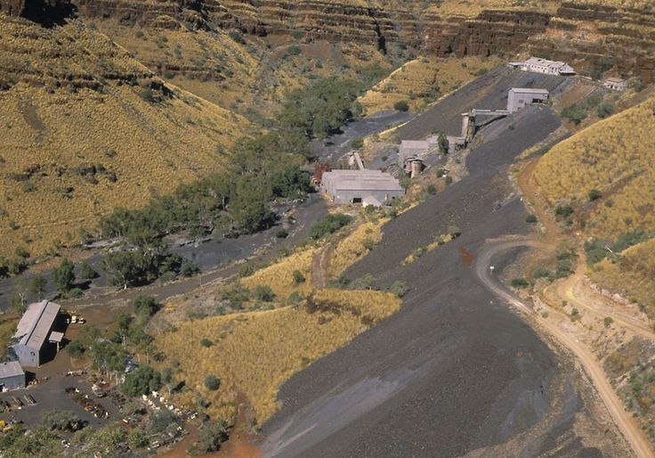 Wittenoom Gorge and asbestos mine (1985) - State Library of Western Australia 004441D.