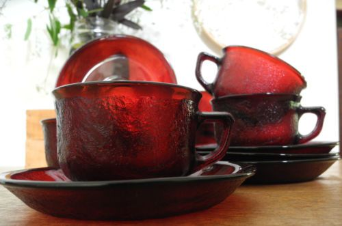 6-Vintage-1960s70s-Arcoroc-Sierra-Ruby-Cranberry-Red-Glass-Teacups-Saucers