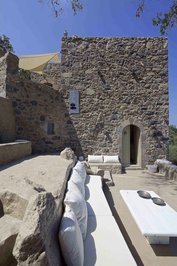ARCHISEARCH.GR - THE ULTIMATE WHITE BEAUTY OF MELANOPETRA GUESTHOUSE IN NYSIROS, AEGEAN SEA: