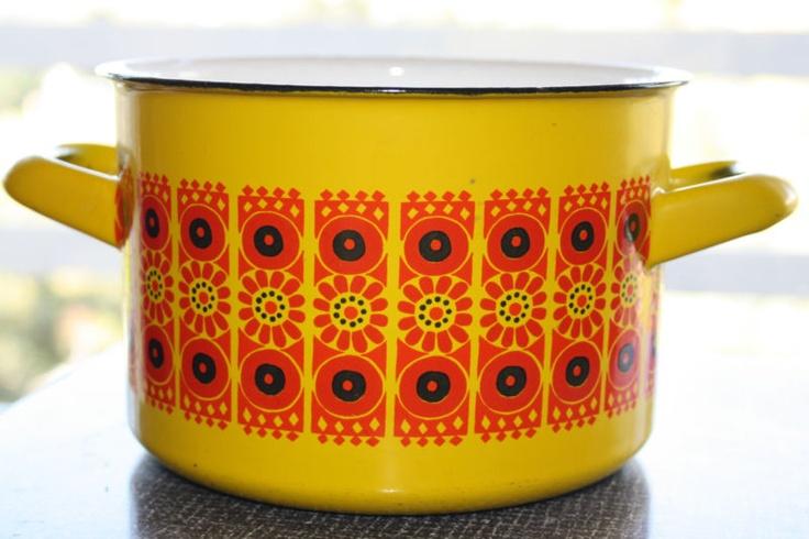 Yellow FINEL Enamel pot - Kaj Franck