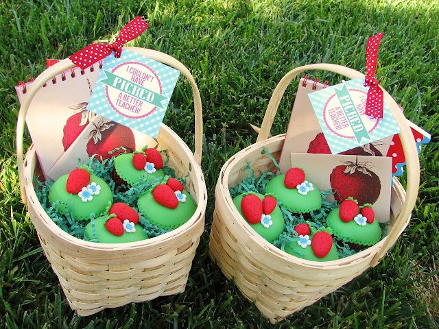 toppers and baskets