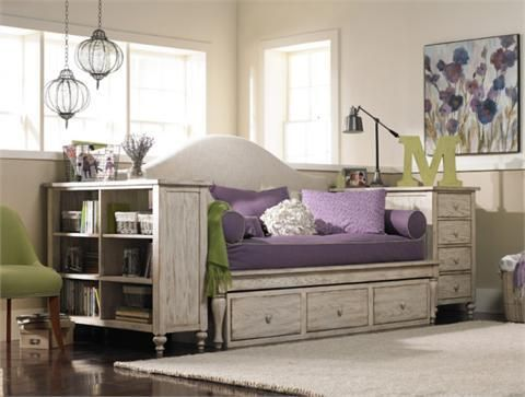 LOVE THIS DAYBED IDEA