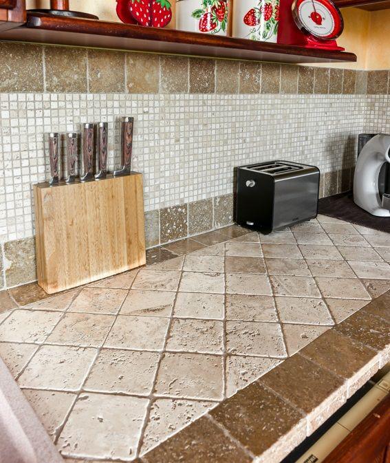 Marmo Travertino In Cucina Mosaico Di Marmo Piani Cucina Cucina In Muratura