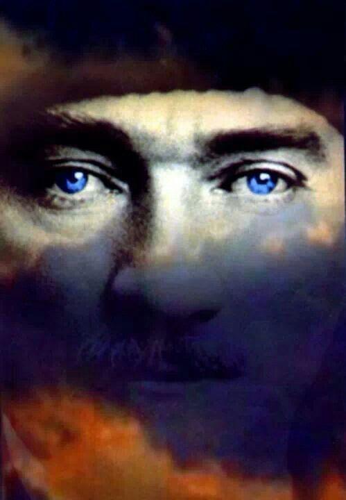 .Buyuk adam buyuk insan Ataturk...Kimse sana ozenmesin komik oluyorlar....ZATEN, özenmekle de varılacak makam değil ATAM'ın ulaştığı makam.. Komik de ötesi..