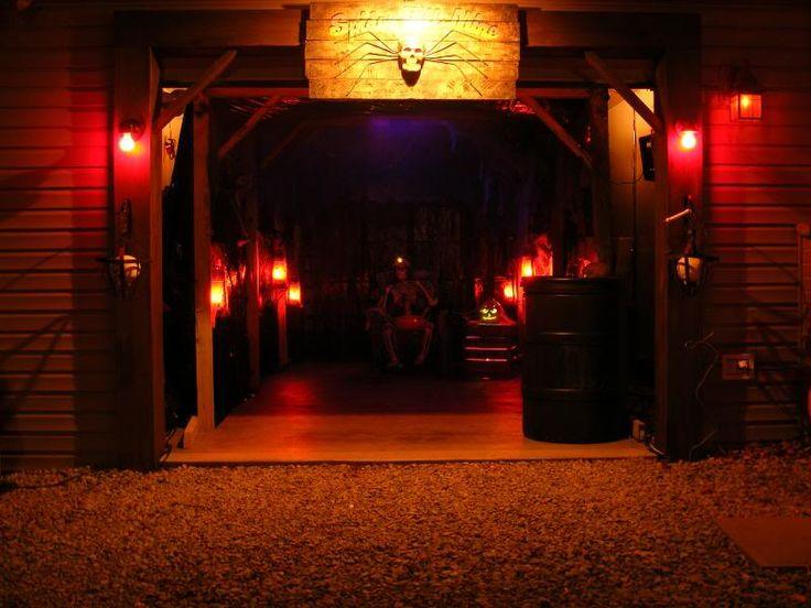 HALLOWEEN DECORATIONS / IDEAS  INSPIRATIONS Halloween Decorations - halloween garage ideas