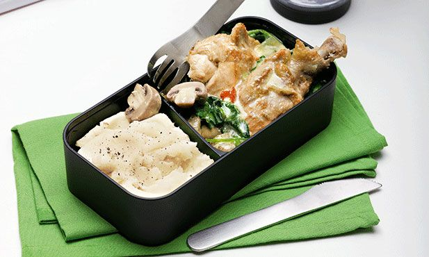 Frango com cogumelos. A bebida de soja misturada com o coco, o gengibre e a malagueta transformam um prato de frango com cogumelos numa refeição mais rica e com sabores inesperados.