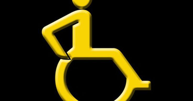 Cómo hacer rampas caseras para discapacitados en los hogares. Las rampas para sillas de ruedas son una valiosa adición a una casa con un miembro que utiliza una silla de ruedas para su movilidad. Sin embargo, una rampa necesita ser construida con el usuario en mente. Si una silla de ruedas manual es utilizada y una rampa es demasiado empinada, puede ser muy difícil hacerlo por la rampa. Las rampas pueden ser ...