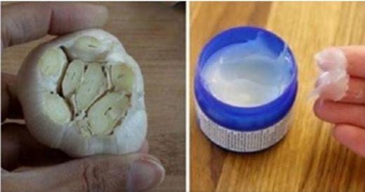 Metti un po' di VICKS VAPORUB su un spicchio d'aglio. La ragione? Ti pentirai di non averlo saputo prima!