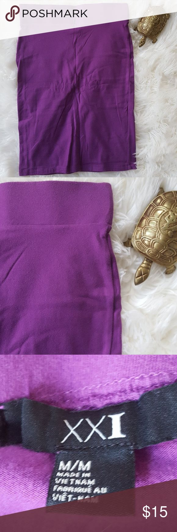Forever 21 Purple Pencil Skirt, size M Suoer cute purple pencil skirt by Forever 21. This skirt compliments your silhouette. A very comfortable skirt. Forever 21 Skirts Mini