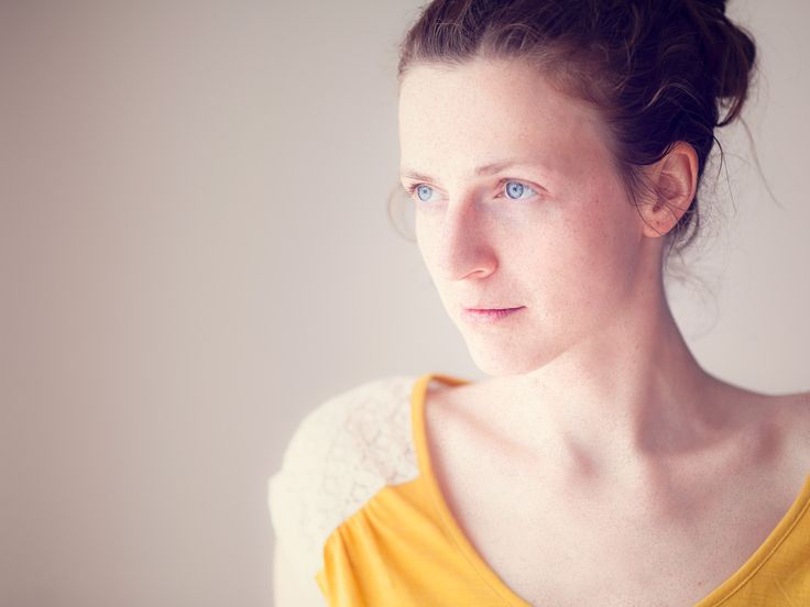 Portrait | Feminine | Whistling Horse Photography | www.whistlinghorse.com | #intimateportrait #feminine #windowlight