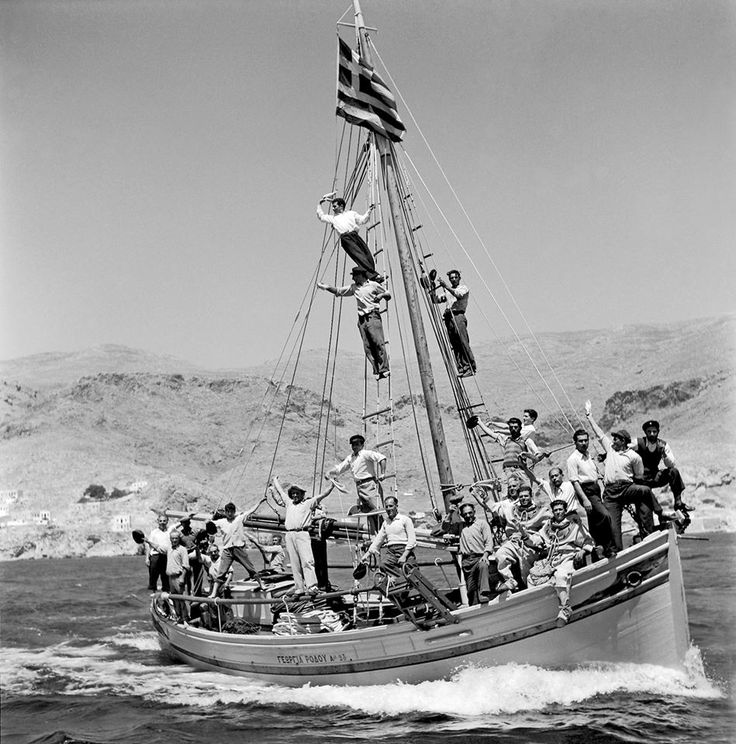 Το ελληνικό καλοκαίρι / Greek Summer Kalymnos island, April 1950. Photo by Dimitris Harissiadis. Benaki Museum Photographic Archives
