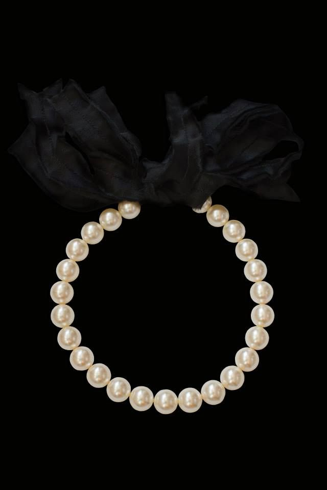 Elegance. Pearls. Necklace.   https://www.facebook.com/laura8official