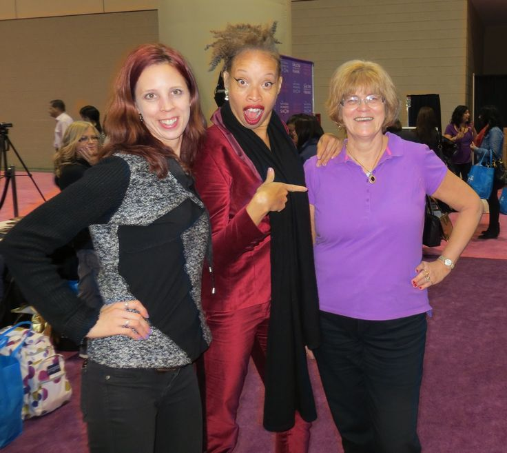 My mom + I met #staceymckenzie at The National Womens Show! It was such a great #girlsweekend!: http://www.thepurplescarf.ca/2014/11/event-my-annual-girls-weekend-with-my-mom.html #lifestyle #NWStoronto #toronto #lifestyle #thepurplescarf #melanieps