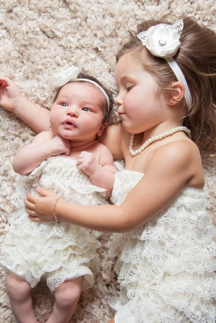 Sibling newborn -love this for my girls!