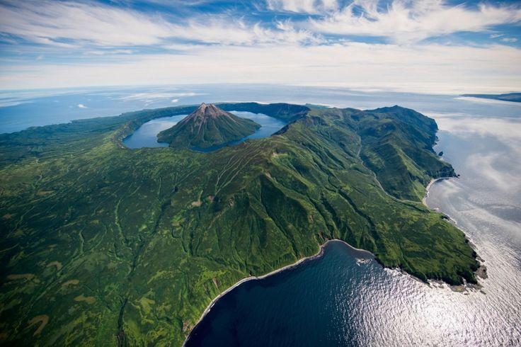 Остров Онекотан, Курильские острова, Россия