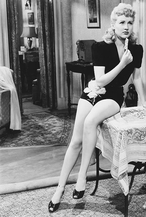 80 best betty grable images on pinterest hollywood glamour classic hollywood and classic movies. Black Bedroom Furniture Sets. Home Design Ideas