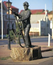 A visit to the town of Boulder provides you with an opportunity to visit the Miners Monument located in the centre of the town. The monument was created to commemorate over 1,300 miners that have been killed since the gold rush of the 1890s.