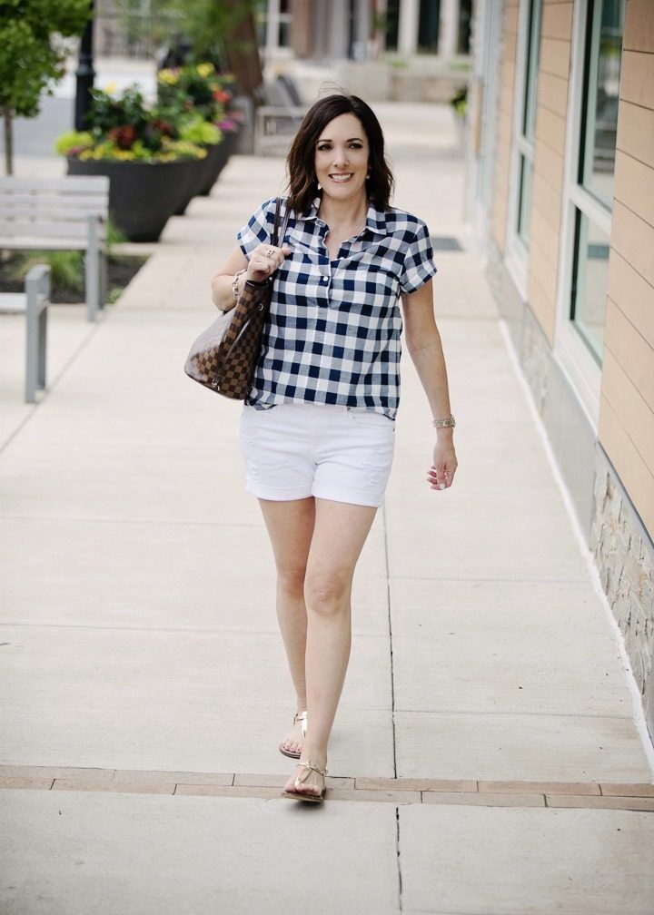 Lässiges Sommer Shorts Outfit mit Gingham Popover   – My Style