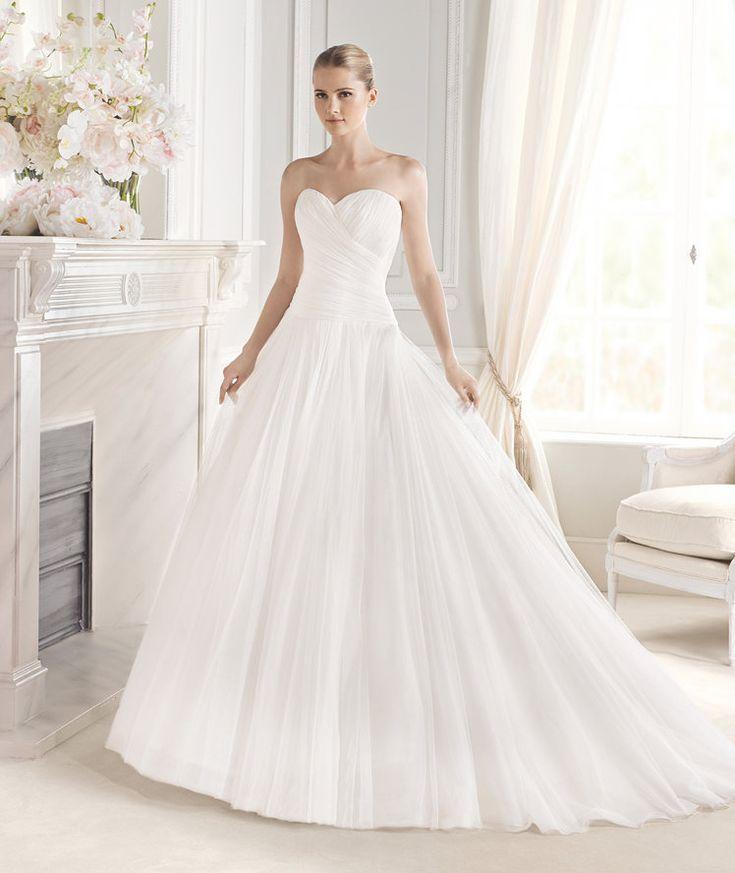 Spectacular ESILDA wedding dress from the Fashion La Sposa collection La Sposa