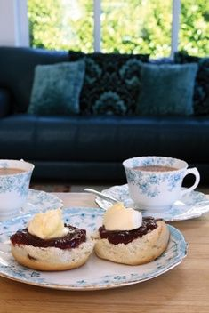 Cornish Cream Tea £7.50 - Cornish Cream Teas The Chough Bakery, Cornish Pasty, Pasties, cakes, Cornish products, home delivery.