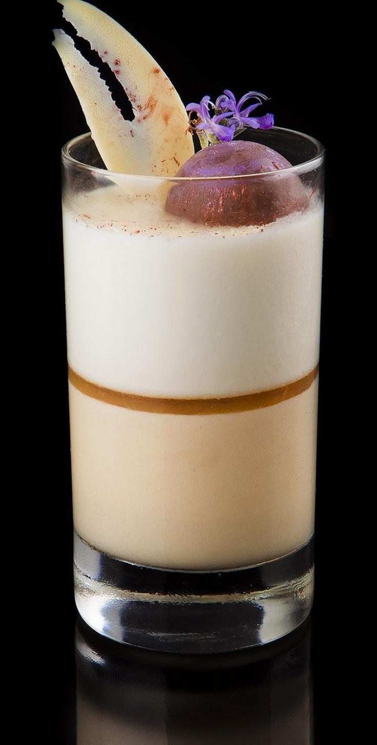 Ron lima: Crema de ron con mousse de lima. /  Rum lime: Rum with lime mousse cream. #dessert #postres #medina #ron #cadiz