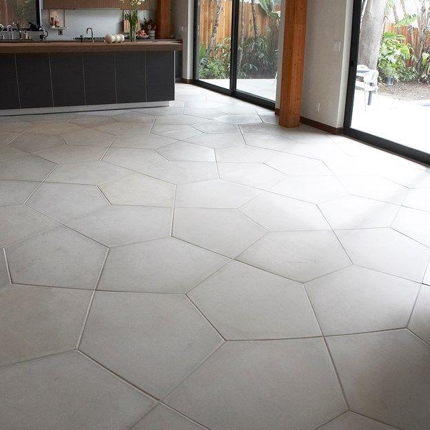 "Ogassian Concrete 31-3/4"" x 23-3/4"" penta floor large field in light grey"