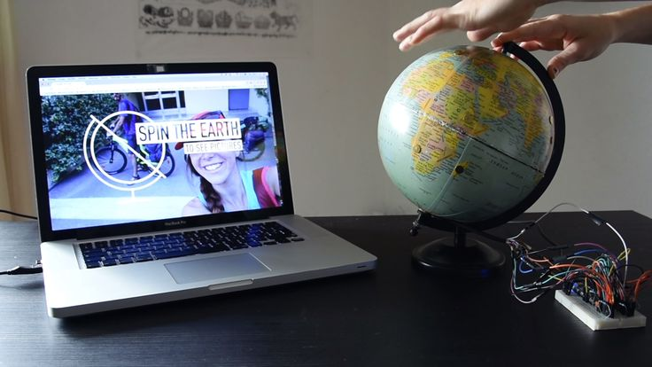 This DIY interactive globe helps you quickly browse your travel photos