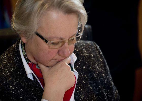 La ministra de Educación alemana pierde su título de doctora por plagio / @el_pais   #fraudeacademico